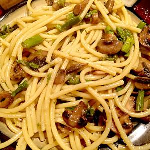 Eye inspire Bucatini Mushroom Asparagus Recipe